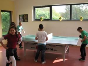 Tischtennis im Ganztagsgebäude